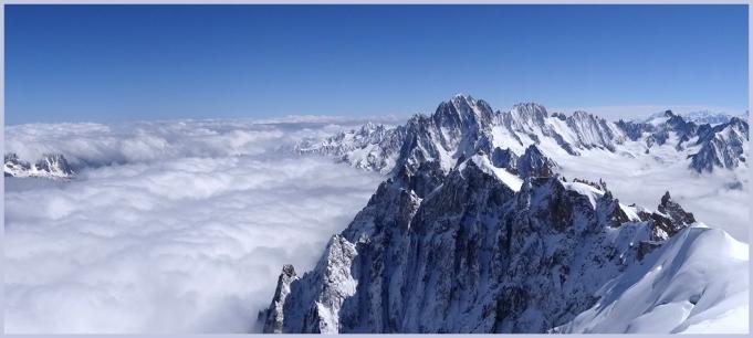 Au dessus des nuages en haut de l'Aiguille du Midi